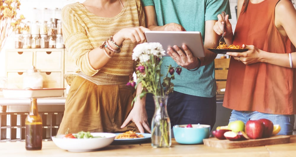 How Cooking With Others Makes you Happier